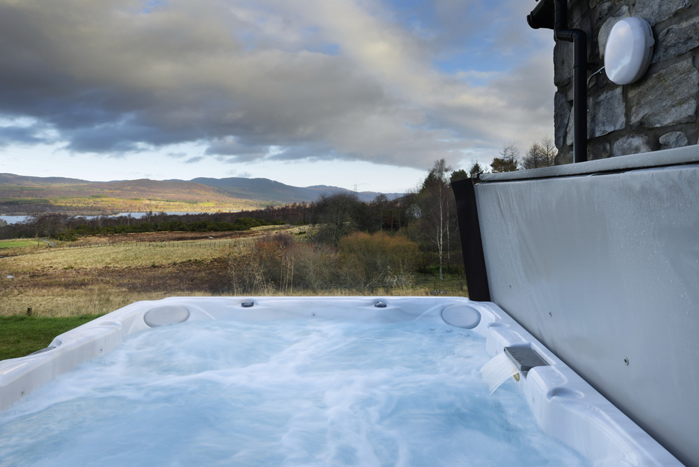 hot-tub-mountain-view-lodge