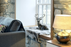 deer-rug-mountain-view-lodge