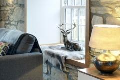 deer-rug-mountain-view-lodge